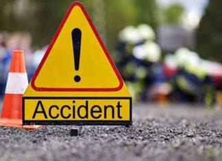 Șoferul unui tir a pierdut controlul volanului după ce i s-a făcut rău. A intrat cu mașina în curtea unei gospodării din Cristeşti