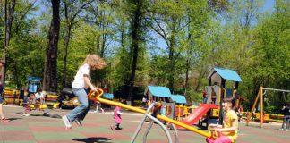 20 de echipamente noi-nouţe pentru locurile de joacă din municipiu