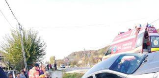 O fetiță, de 11 ani, a murit după ce a fost lovită de o mașină în localitatea gorjeană Plopșoru
