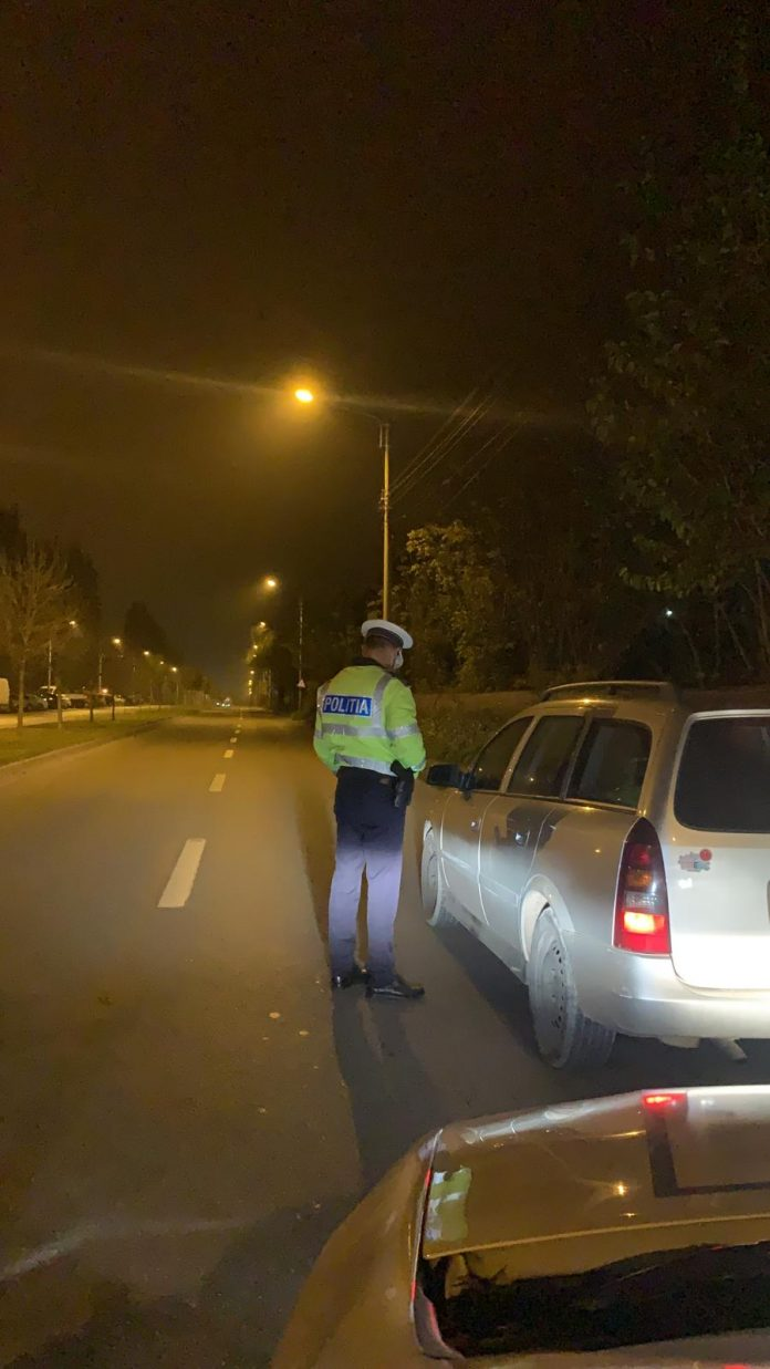 Un bărbat din Hunedoara fără permis auto a fost depistat la volan pe DN 66 de polițiștii gorjeni