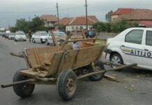 Un drum comunal din comuna gorjeană Bărbătești a fost blocat temporar ieri de doi bărbați din localitate, care sunt cercetați de polițiști